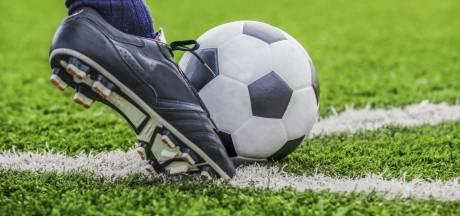 Voetballer Teun Steketee kiest voor vervolg bij De Meeuwen