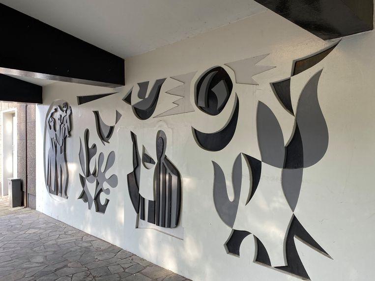 Keramisch object van kunstenaar Jan Goeting in sgraffito. Beeld Floor van Spaendonck en Gijs Stork