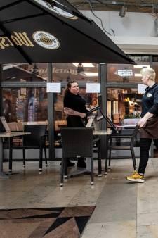 Romy-Lisa moet het terras van haar lunchzaak nu al sluiten: 'Ik word kapotgemaakt'
