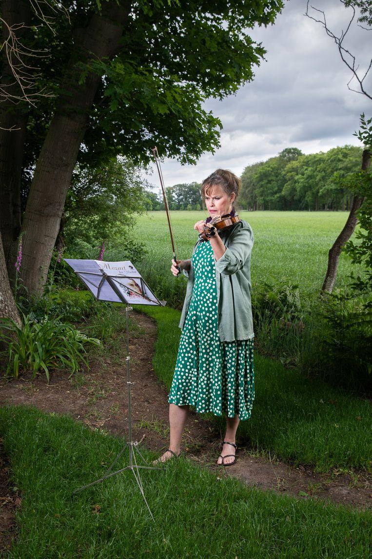 Wendela de Vries (60): 'Als ik een rare uithaal maakte, dachten ze: wat knap, wat moeilijk.' Beeld Dingena Mol
