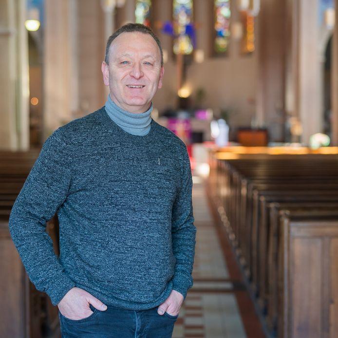 Diaken Ronald van Berkel is voorstander van een maatschappelijk betrokken parochie.