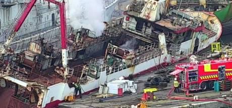 Vissersschip in Gentse haven na 24 uur nog niet geblust