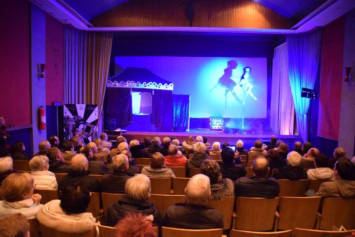 Cinemazaal Tijl in Izegem is na lang tijd nog eens te bezichtigen.