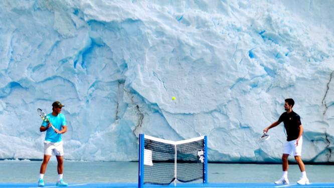 Nadal en Djokovic tennissen met gletsjer als decor