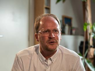 """INTERVIEW. Moraalfilosoof Patrick Loobuyck trekt 5 lessen uit de coronacrisis: """"Hoe kan je als expert nog ernstig genomen worden als je voortdurend alle aandacht opzoekt?"""""""