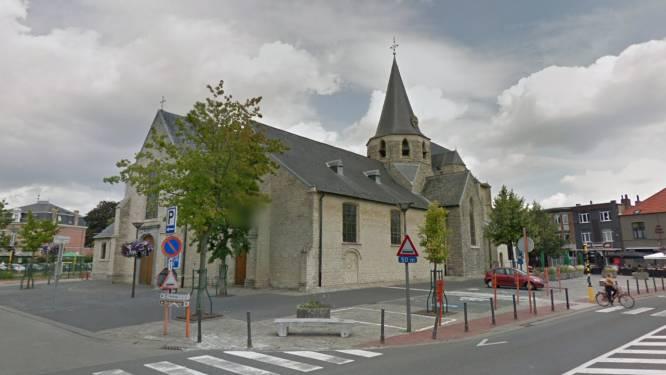 Herstellingswerken aan dak van Heilig Kruiskerk