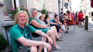 Bewoners Kroonstraat protesteren al zittend