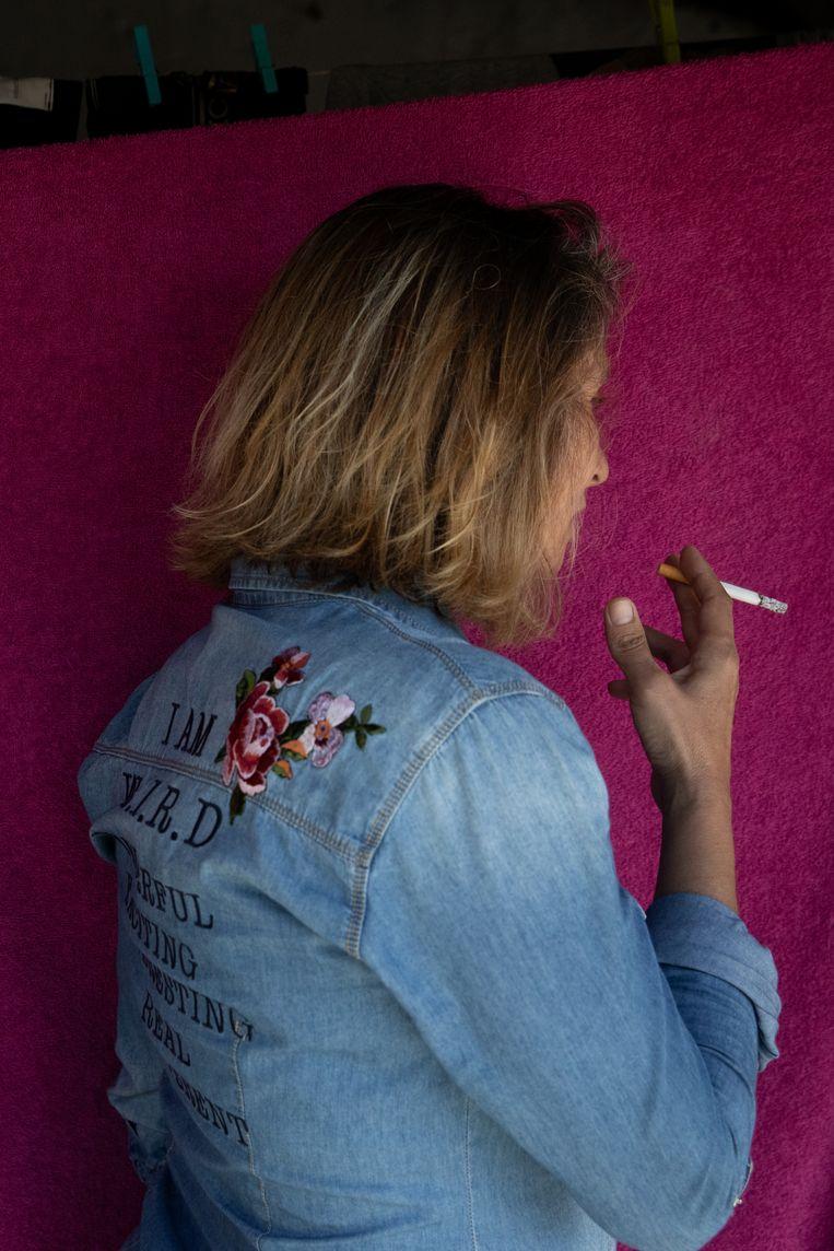 Vanessa (44) gebruikt sinds haar 18de drugs. Ze is nu acht maanden in afkickkliniek Ares do Pinhal. Beeld Gonçalo Fonseca