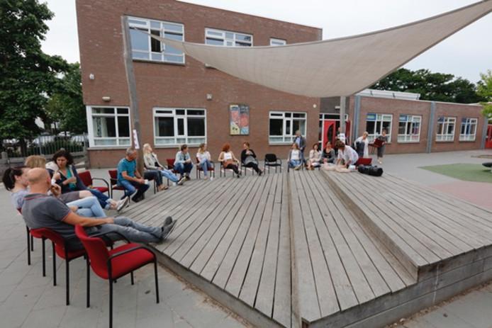 Staking op een basisschool in Eindhoven.