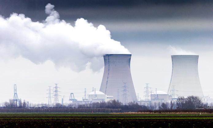 Een van de kernreactoren van Doel, vlakbij de Nederlandse grens.
