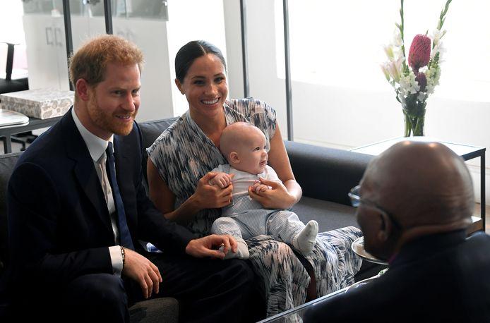 Harry, Meghan, baby Archie en aartsbisschop Desmond Tutu.