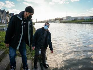 """Buurmannen Driss en Bekkaoui redden vrouw uit het kanaal: """"Plots wisten we hoe we haar op het droge konden krijgen"""""""