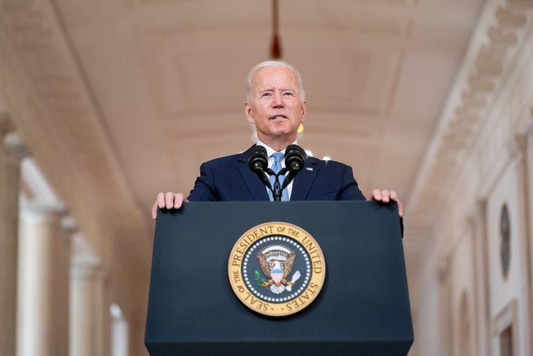 'Het enige wat president Biden wilde, was de Amerikaanse troepen zo snel mogelijk uit Afghanistan weghalen. Het zal de rest van zijn ambtstermijn overschaduwen.' Beeld BELGAIMAGE