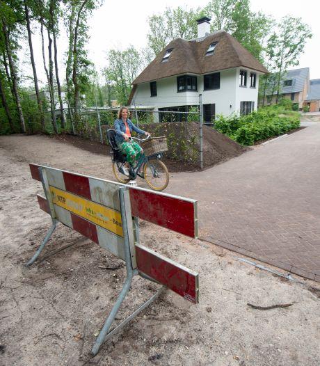Bewoners Ugchelen Buiten voelen zich in de maling genomen: gemeente zet streep door bedacht fietspad