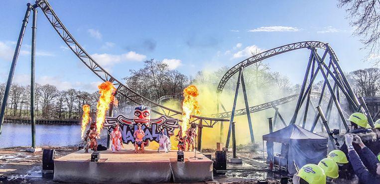 De nieuwe attractie in Bellewaerde werd vandaag onthuld met een indianendans en vuurspektakel.