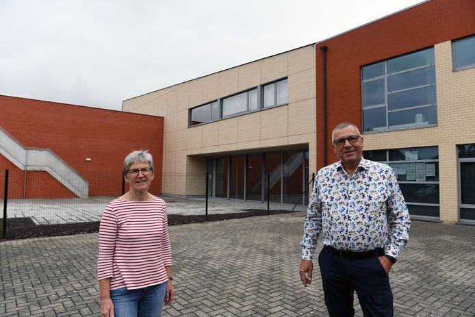 Na ruim 3 jaar werkzaamheden is Ontmoetingscentrum Berkenhof klaar. Schepenen Ann Vannerem en Stef Ryckmans zijn blij met het resultaat.
