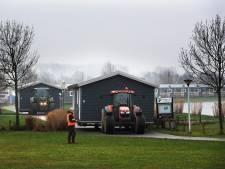 Daar gaan ze: strandhuisjes Eiland van Maurik wijken voor het wassende water