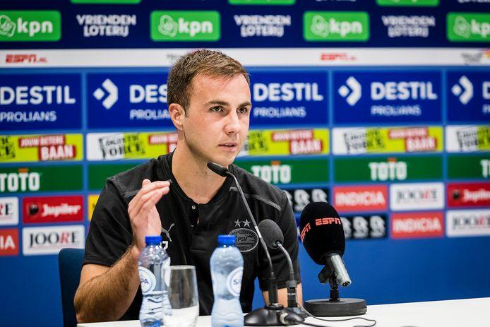 Mario Götze in Tilburg na het verlies van PSV.