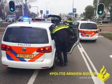 Arnhemse agenten betrappen drietal met hennepstekjes in patatdozen