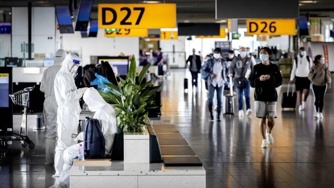 Schiphol puzzelt met coronaregels: 'Duizenden euro's boete voor passagier zonder juiste documenten'