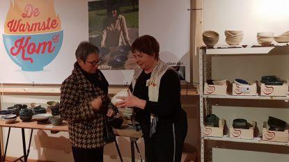 'Kleivriendinnen' van Nora Tilley verkopen bijna 2.000 kommen voor ALS Liga