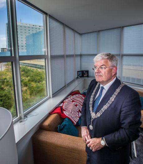 Eerste wolkenkrabber van Den Haag is weer zo goed als nieuw: 'Zo wil iedereen wel elke dag wakker worden'