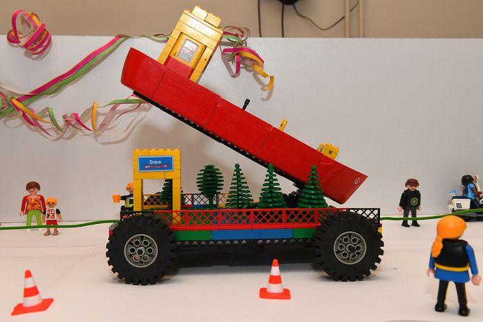 Een carnavalswagen van Lego.