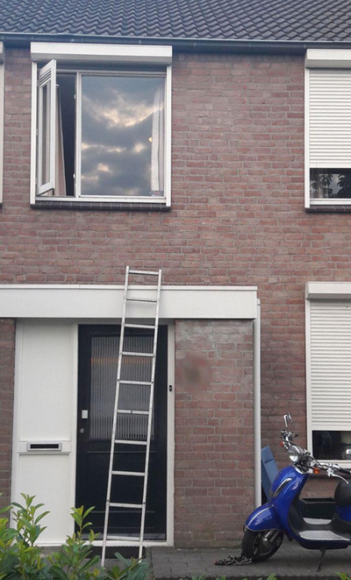 De beschoten woning aan de Meierij in Oss.