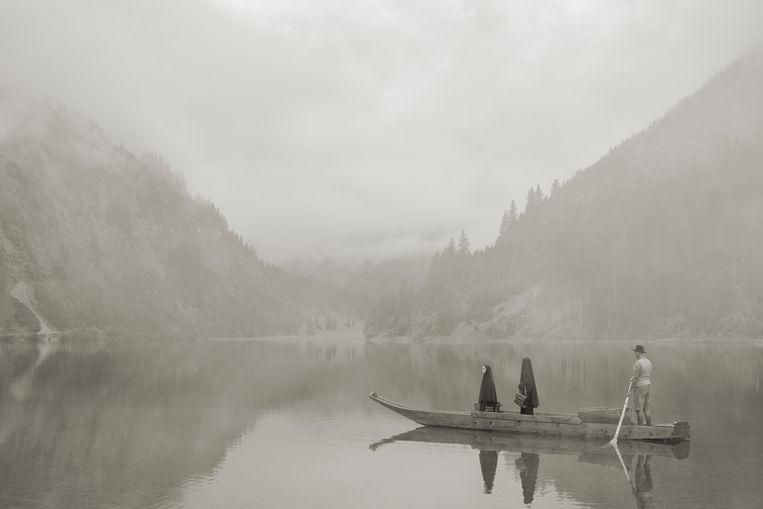 Het meer, een eerbetoon aan Die Toteninsel. Beeld Erwin Olaf
