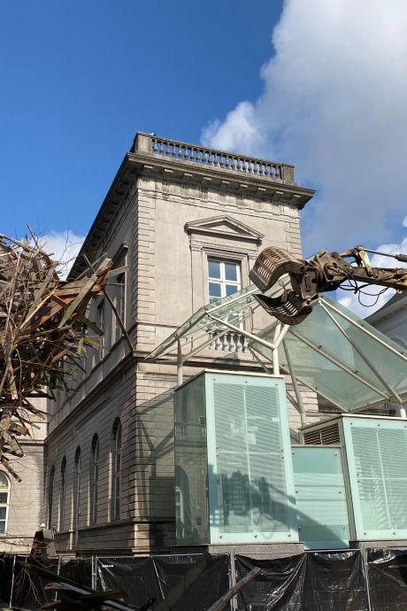 """L'œuvre """"The Passenger"""" démolie à Mons"""