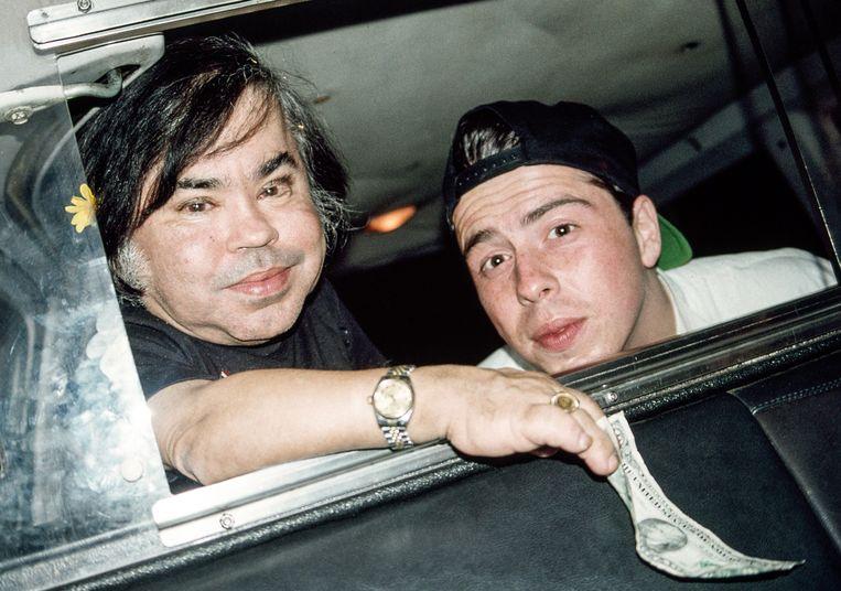 De echte Hervé Villechaize met Sacha Gervasi, regisseur van 'My Dinner with Hervé'. Gervasi interviewde Villechaize in 1993. Enkele dagen later pleegde de acteur zelfmoord. Beeld RV HBO
