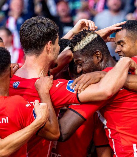 Swingend PSV overklast FC Midtjylland en staat met anderhalf been in laatste voorronde Champions League