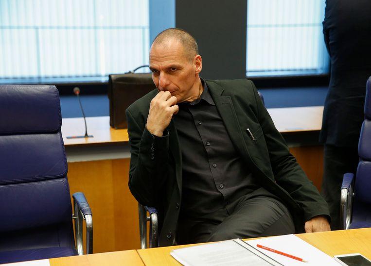 Varoufakis en een stoel. Beeld EPA