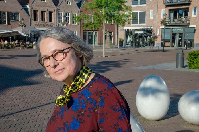 Henriëtte Hofman,  de nieuwe stadsdichter van Nijkerk.