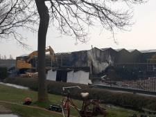 Verslagenheid groot na felle brand bij kwekerij Baas in Ens: 'Een slechter moment kan niet'