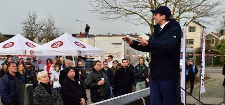 Verkiezingskaravaan Baudet houdt halt in Gouda, FvD-frontman sneert naar gemeente: 'Paniek was enorm'