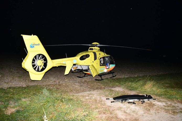 De traumahelikopter heeft ter plekke eerste hulp verleend.