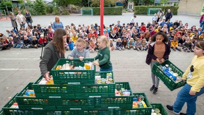 Basisschool Het Molentje zamelde weer veel voedsel in voor sociale kruidenier