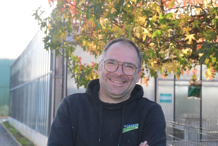 Sven Bolangier startte Schouwrock in de schaduw van de oude verwarmingsschouw van de gewezen anjerkwekerij langs de Oude Heerbaan in Erpe.