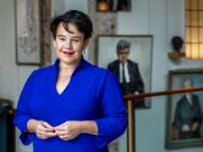 Onder druk tekent burgemeester Dijksma alsnog manifest softdrugs, maar 'liever bewijs dan belijdenis'