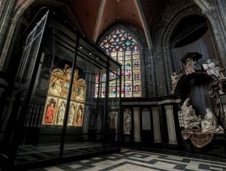 Lam Gods in quarantaine: nieuw bezoekerscentrum kathedraal alweer dicht, door coronabesmetting