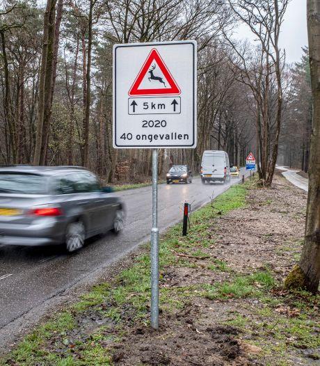 Nieuw bord dat steeds op andere plekken opduikt, net zoals het wild dat plots de weg kan oversteken