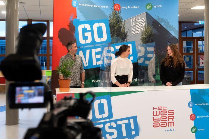 Elst, 22 januari 2021. Bij Het Westeraam in Elst gaan ze een online Open Dag organiseren a la RTL Boulevard, met een livestream vanuit een in de aula opgetuigde studio.