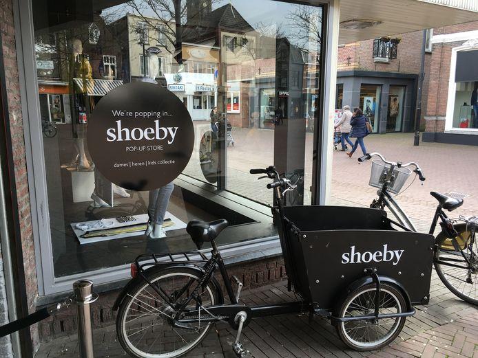 Shoeby zit nu nog aan het Walplein in het voormalige pand van V&D, dat dit jaar tegen de vlakte gaat.