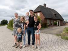 Remco en Diana kochten voor prijs rijtjeshuis in de Randstad een woonboerderij in Twente