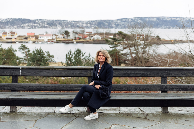 Caroline de Gruyter: 'In de jaren 50 hadden we twee wereldoorlogen achter de rug. Omdat we dat niet meer wilden, maakten we de politiek een beetje saai.' Beeld Thomas Ekström