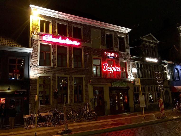 Charlatan, het café dat Felix van Groeningens vader opstartte in 1988 en waarop de film 'Belgica' is geïnspireerd, heet tijdelijk 'Belgica'. Beeld A. Gyseflinck