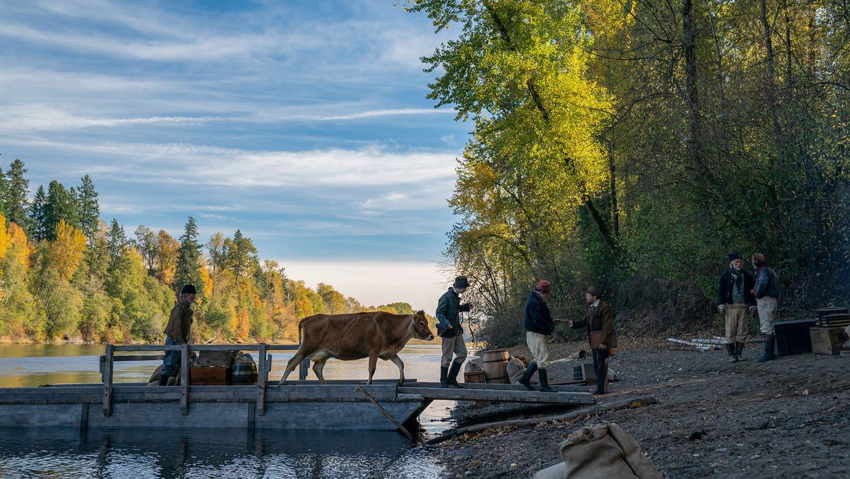 First Cow speelt in het Oregon van 1820, waar een eerste koe aankomt.  Beeld -
