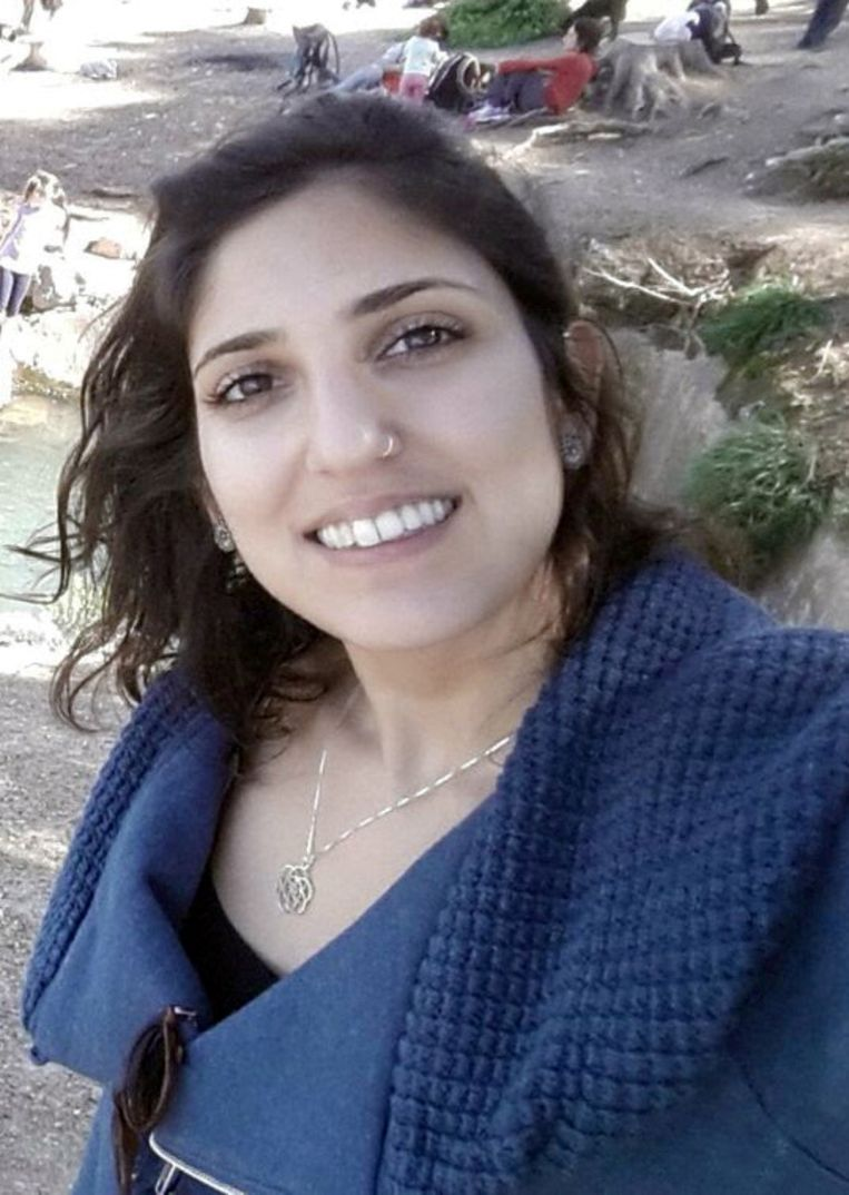 Naama Issachar neemt een selfie op deze foto die door de familie is vrijgegeven.  Beeld REUTERS