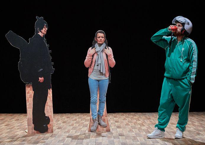 Carola Bärtschiger, Elias de Bruyne, Willemijn Zevenhuijzen zetten overtuigend drie kwetsbare pubers neer.